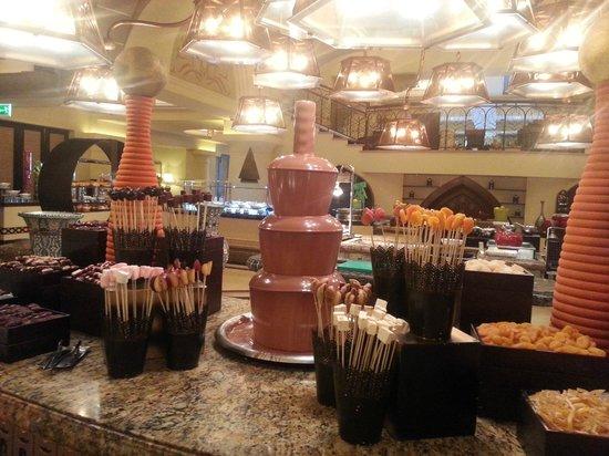 Shangri-La Hotel, Qaryat Al Beri, Abu Dhabi: Breakfast...