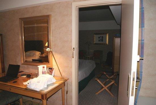 Sheraton Brussels Hotel: 27 Dicembre 2013 - 3 Gennaio 2014 - Connessione tra le due stanze