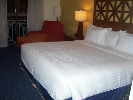 Courtyard Port of Spain: comfie bed