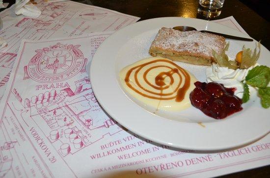 Restaurace Novomestsky Pivovar: strudel ottimo!