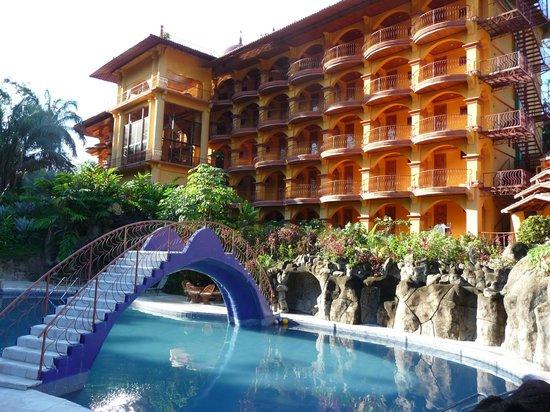 Hotel San Bada: Front of hotel, facing the main courtyard, pool area