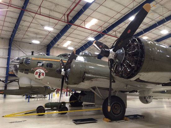 Lone Star Flight Museum: B-17