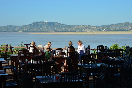 Bagan Hotel River View : the restaurant deck, and river view...