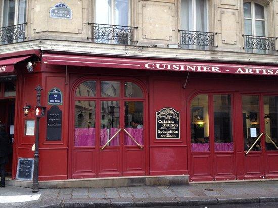 Café des Musées : The exterior of Cafe des Musees