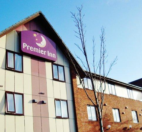 Premier Inn Telford Central Hotel: Front again