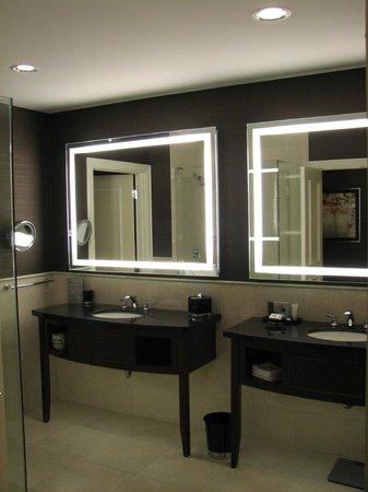 JW Marriott Chicago: Bathroom