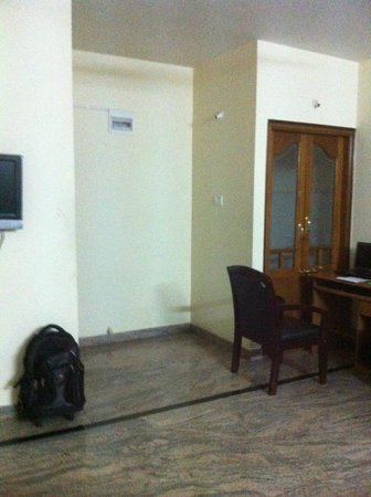 Homestay Serviced Apartments : Inside entrance of apartment