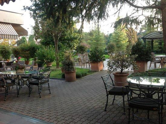 Hotel Terme Antoniano : Bar Patio at Terme Antoniano
