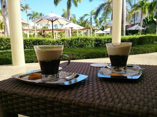 Secrets Royal Beach Punta Cana: Tasty cappuccino's at the plaza