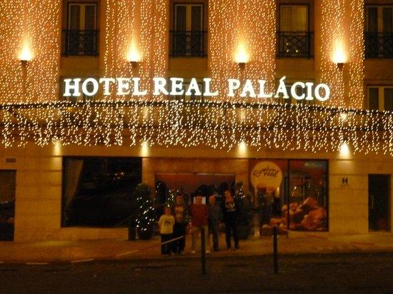Hotel Real Palacio: Entrada del hotel