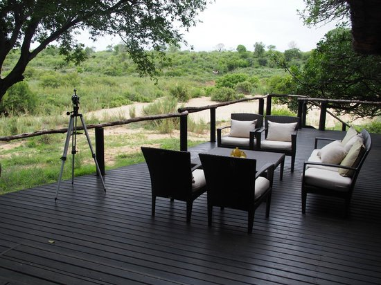 Lion Sands Ivory Lodge: dining terrasse