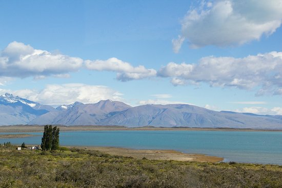Blanca Patagonia: View across Lago Argentino