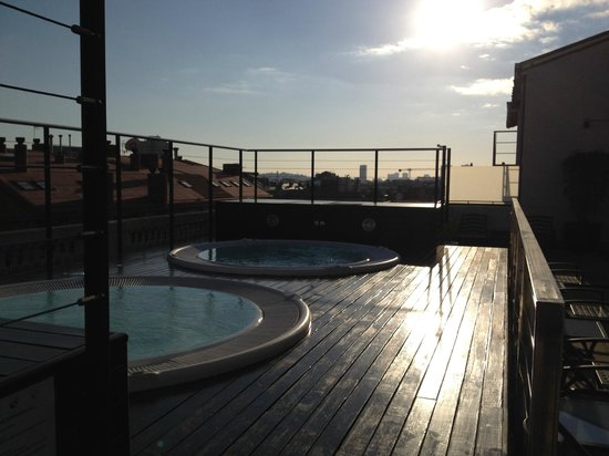 Hotel Barcelona Center: Poolterrassen