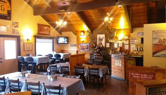 Joe Schmucks Roadhouse : Family Dining, Great Service