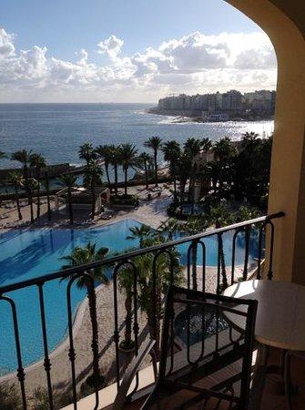 Hilton Malta: bay by day