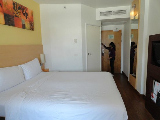 Ibis Pattaya : Inside room another view