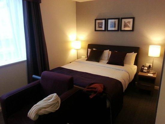 Staybridge Suites Birmingham : Bed