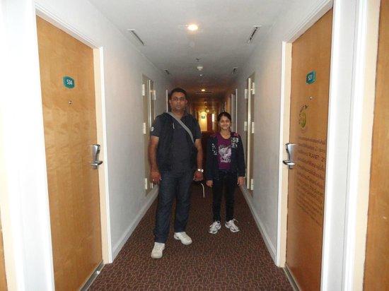 Ibis Pattaya: Corridor