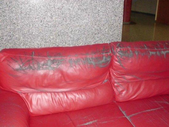 Hotel Rambla : los sillones del holl