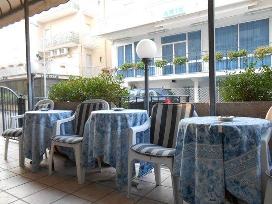 Hotel Mirador : вход в отель