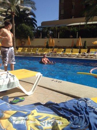 Hotel RH Princesa: By the pool