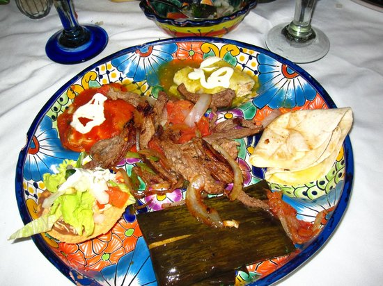 Casa Mission: Mexican combination plate