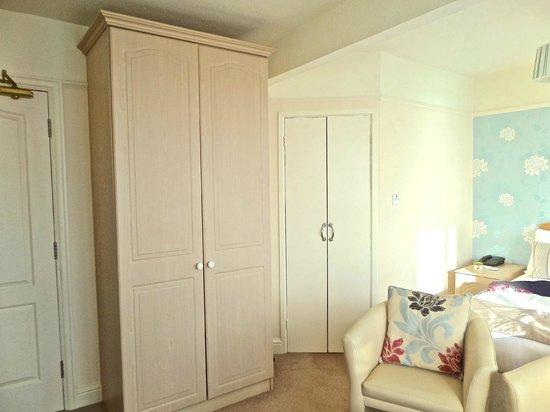 The Bedford Hotel: Wardrobe and door to our en-suite
