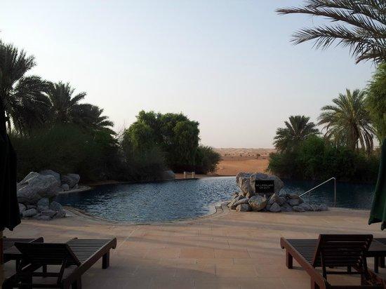Al Maha, A Luxury Collection Desert Resort & Spa : Piscine de l'hôtel