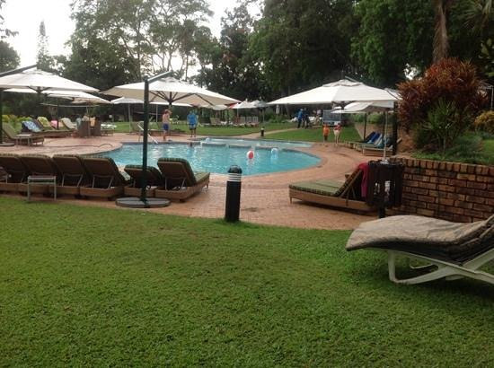 Sabi River Sun Resort : pool area outside our bedroom door