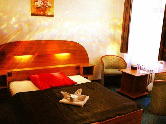 Grand Luxury Hotel : Standard Zimmer