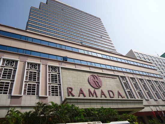 Ramada D MA Bangkok: RAMADA D'MA from outside
