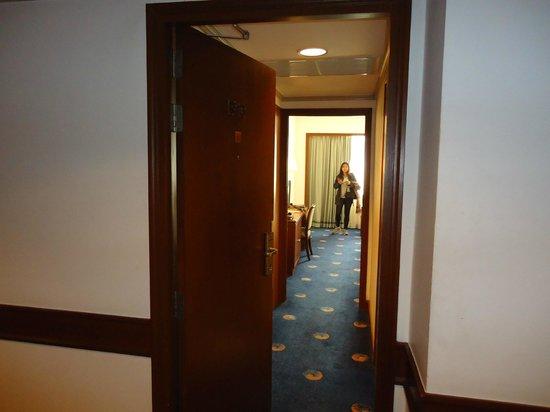 Ramada D MA Bangkok: Entrance to our room at RAMADA D'MA, Bangkok
