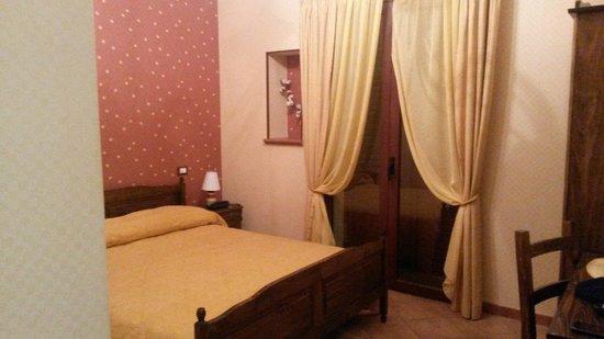 Hotel Alle Pendici Dell'Etna: Camere accoglienti funzionali e pulite