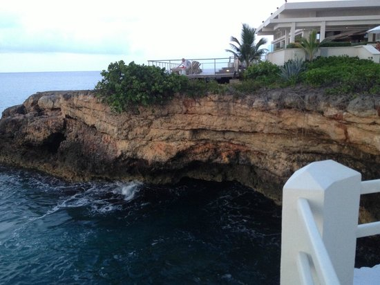 Viceroy Anguilla: cliffs