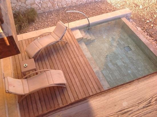Beresheet Hotel by Isrotel Exclusive Collection: a room with loungers and its own pool