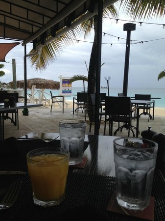 Four Seasons Resort and Residences Anguilla: strawhat
