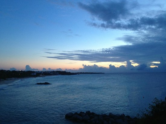 Four Seasons Resort and Residences Anguilla: sunset and beach