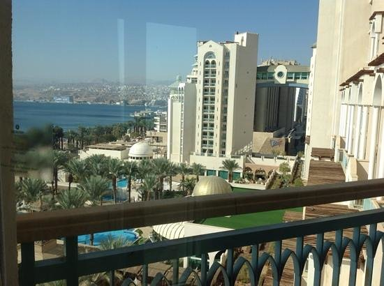 Herods Palace Hotel Eilat : view over Eilat towards Egypt