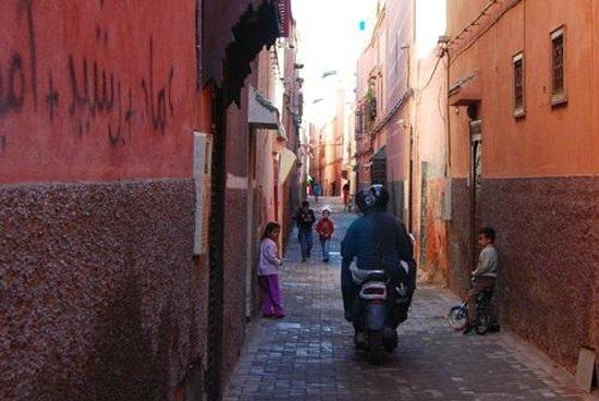 Riad Cherrata : Alley to Riad