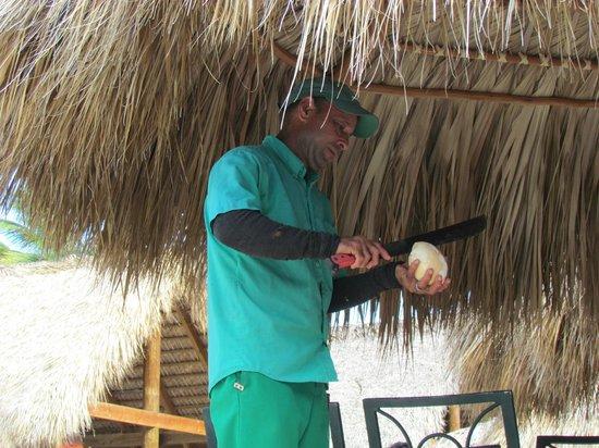Grand Palladium Bavaro Suites Resort & Spa : Fresh coconut