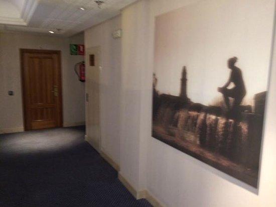 Tryp Madrid Cibeles Hotel: Gang zu den Zimmern