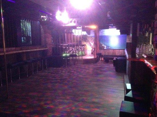 Club Aussie Bar - Helsinki : nightclub and DJ Box and dancing cage