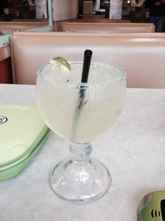 Naya's Taqueria: Great margarita's