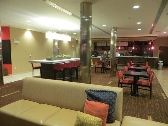 Courtyard Burlington Mt. Holly/Westampton: Lobby Bistro Area