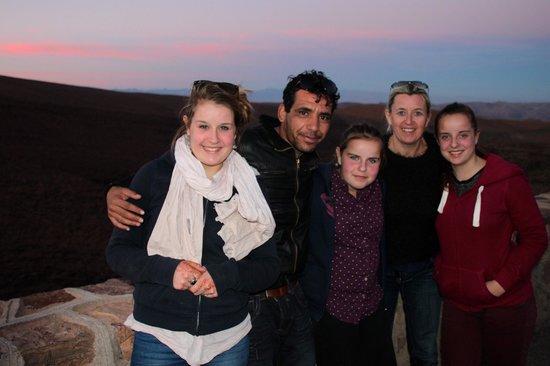 Morocco Premium Tours Best Travel Company: Devant le Grand Canyon de l'Antiatlas