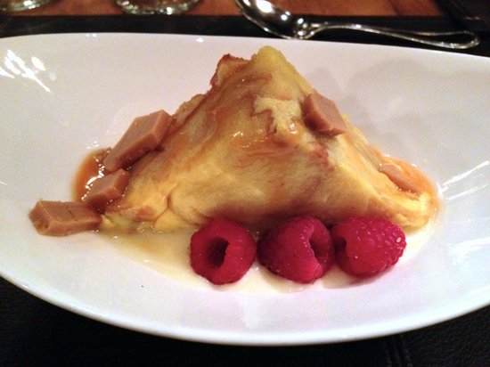 Zach's Cabin: White Chocolate and Toffee Bread Pudding- yum!