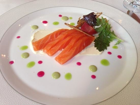Roux at The Landau : Salmon starter