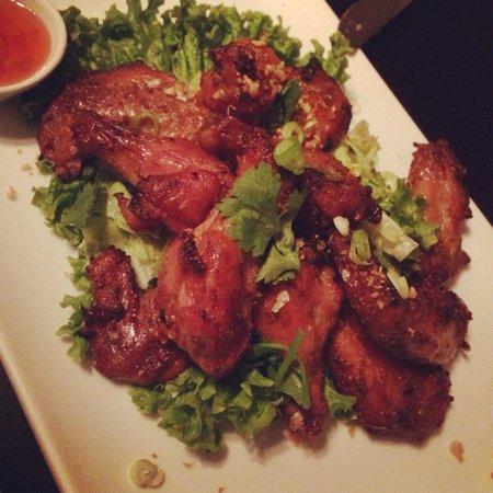 Denn Jai : Grilled marinated chicken wings