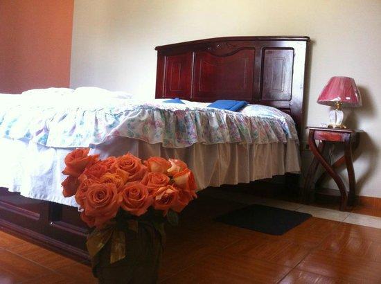 Hostal Jora Continental: Habitaciones