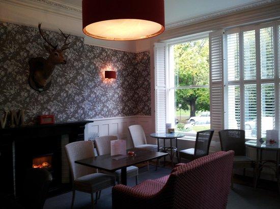 The Roseate Villa Bath: breakfast area